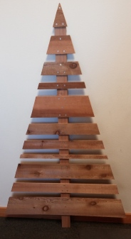how to make a rustic christmas tree out of western red cedar scraps