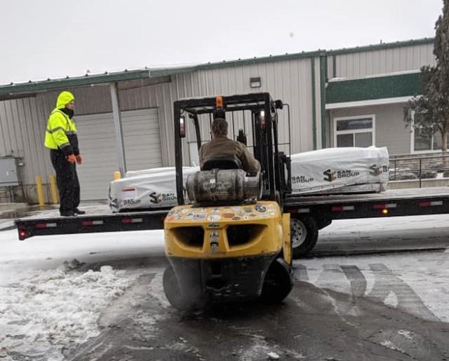 We ship Western Red Cedar building materials nationwide